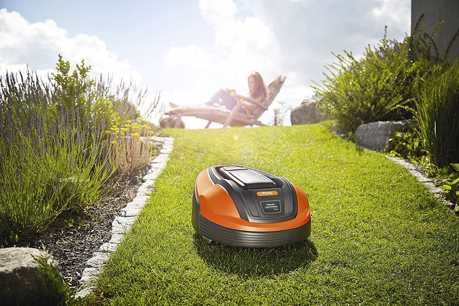Flymo Lithium-ion Robotic Lawnmower 1200 R, Review