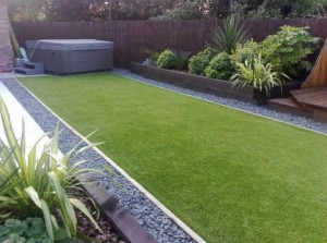 Aritificial Grass providing an excellent look lawn surface